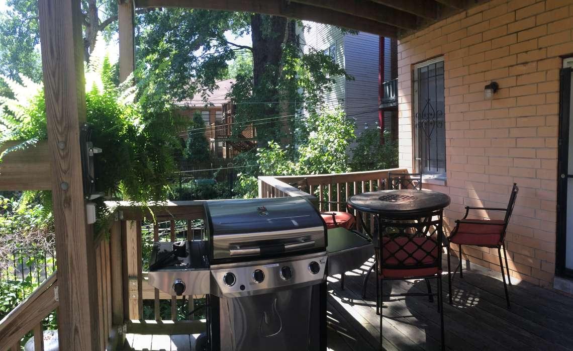 crash-pad-chicago-patio