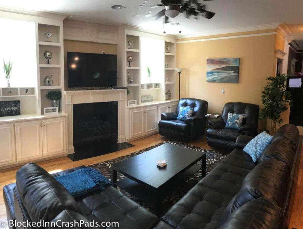 crash pads atlanta atl crash pad near atlanta airport. Black Bedroom Furniture Sets. Home Design Ideas